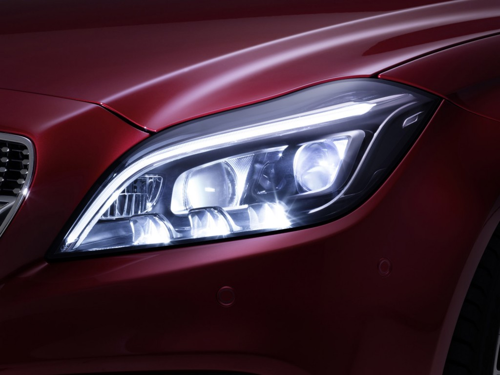 2015 Mercedes-Benz CLS-Class MULTIBEAM LED headlights