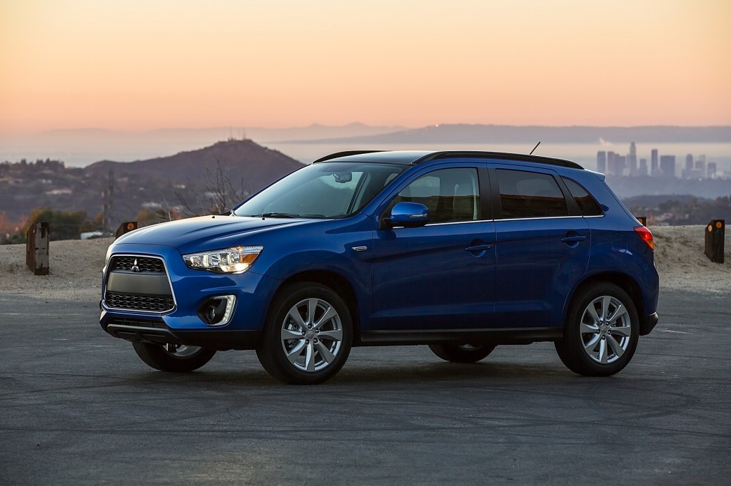 Mitsubishi Outlander, Outlander Sport recalled for windshield wiper woes: 195,000 vehicles affected