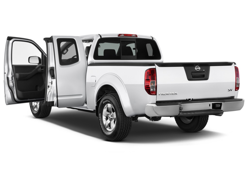 Image: 2015 Nissan Frontier 2WD King Cab I4 Auto SV Open ...