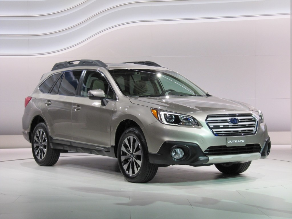 2015 Subaru Outback introduction at 2014 New York Auto Show