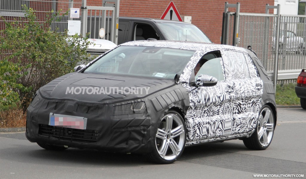 2015 Volkswagen Golf R spy shots