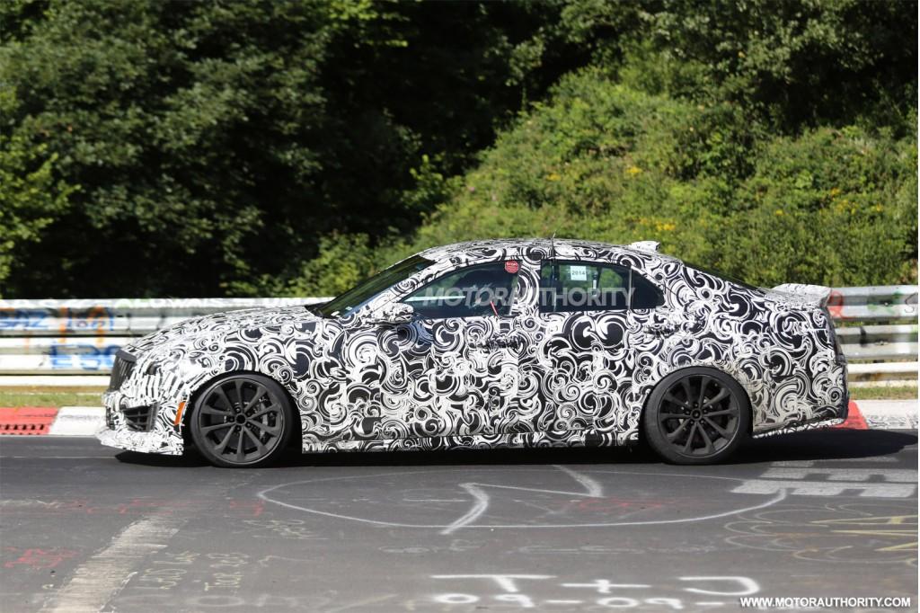 2016 Cadillac CTS-V spy shots