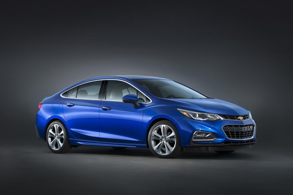 Chevrolet Cruze vs. Hyundai Elantra: Compare Cars