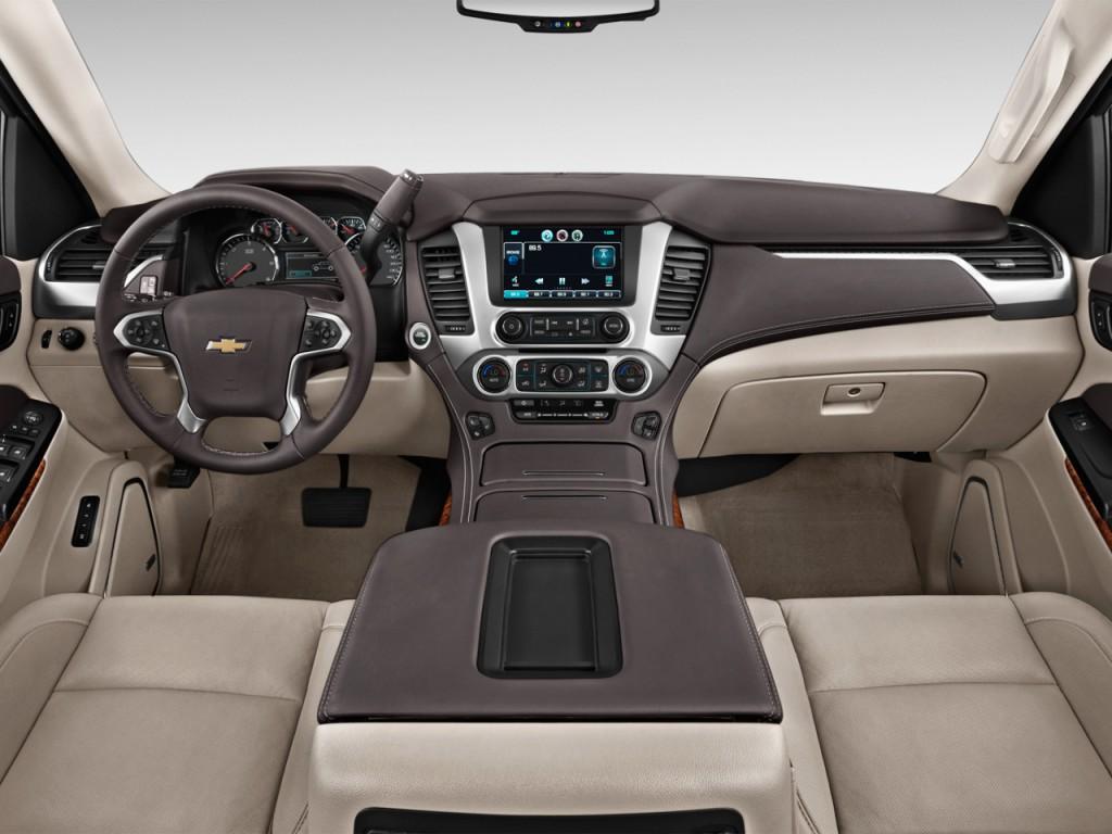 Image: 2016 Chevrolet Suburban 4WD 4-door LTZ Dashboard ...