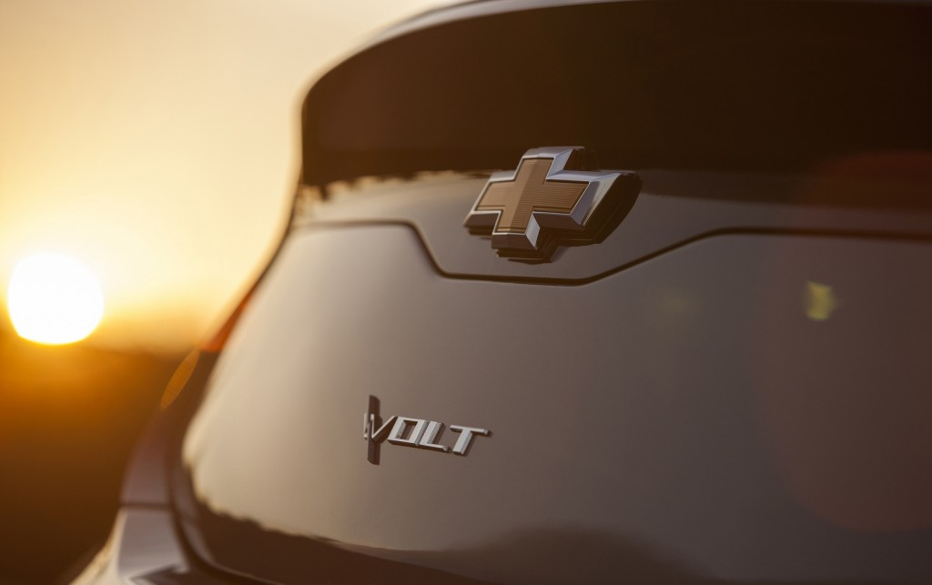 2016 Chevrolet Volt - first teaser image, Aug 2014
