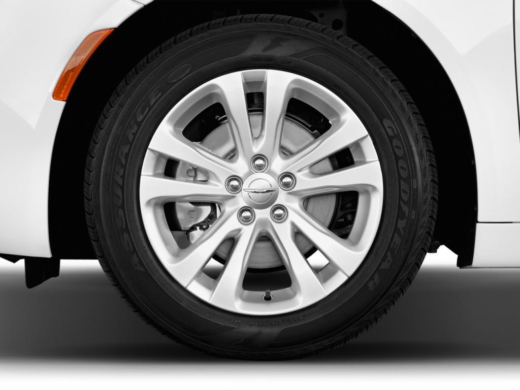 Chrysler 200 Tire Size - Image   Door Sedan Limited Fwd Wheel