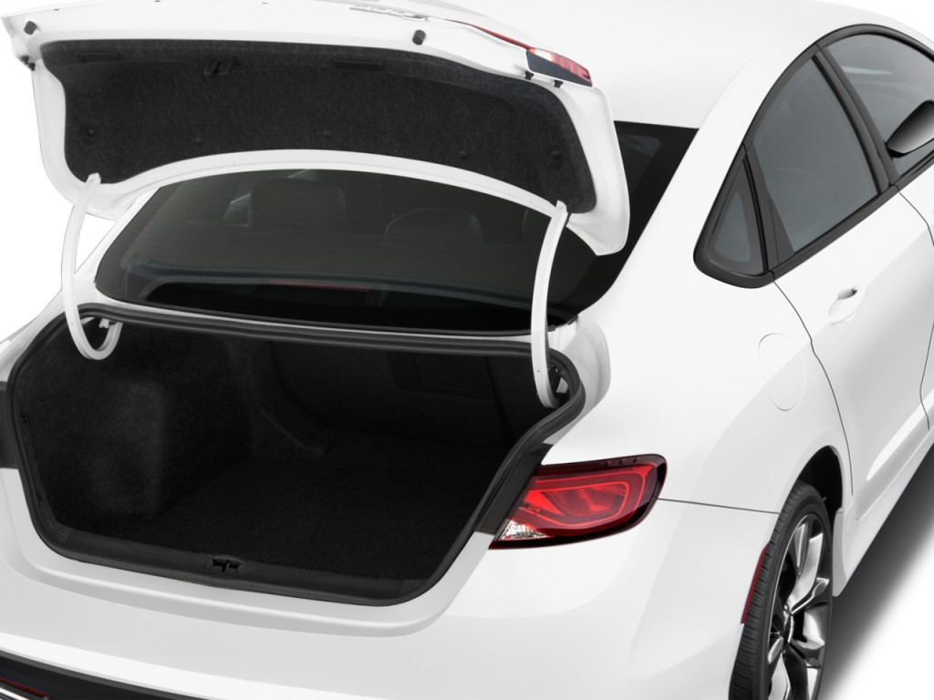 image 2016 chrysler 200 4 door sedan s fwd trunk size. Black Bedroom Furniture Sets. Home Design Ideas