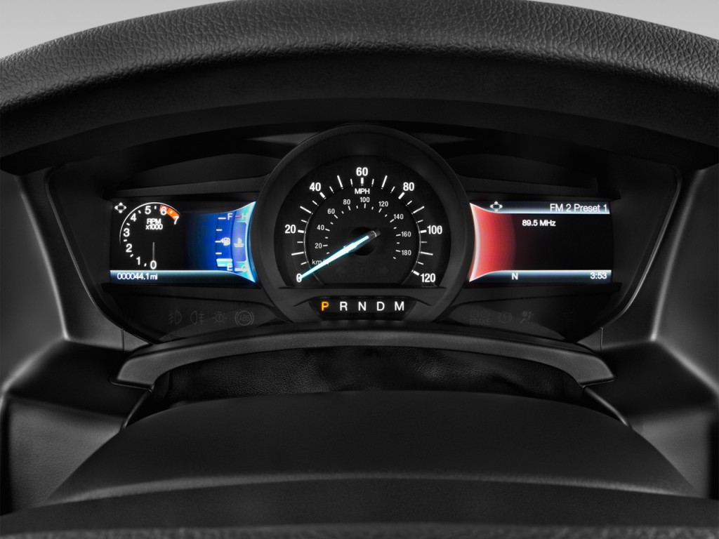 Image: 2016 Ford Expedition 2WD 4-door XLT Instrument ...