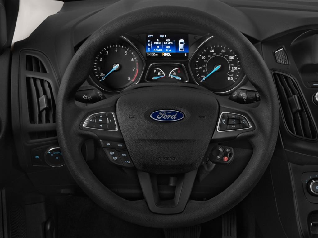 Image 2016 Ford Focus 4 Door Sedan Se Steering Wheel