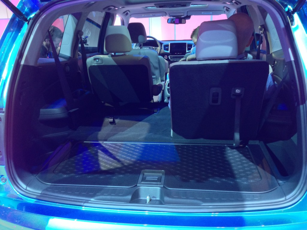 image 2016 honda pilot 2015 chicago auto show live photos size 1024 x 768 type gif. Black Bedroom Furniture Sets. Home Design Ideas