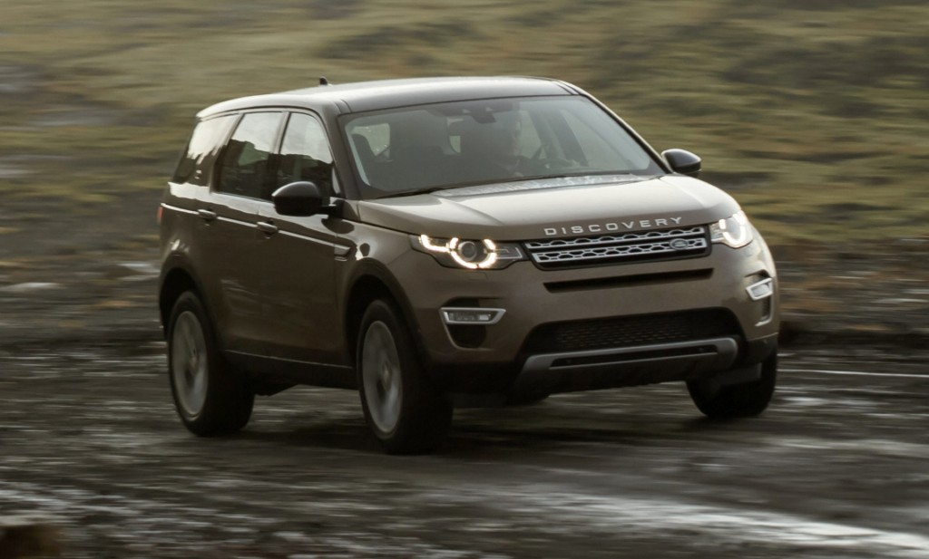 Land Rover Discovery San Antonio >> Tesla software updates, 2016 Discovery Sport, 2017 Porsche Panamera: What's New @ The Car Connection