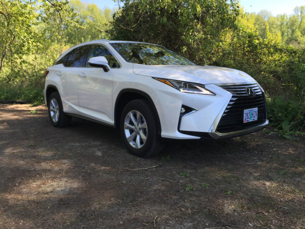2016 Lexus RX video road test
