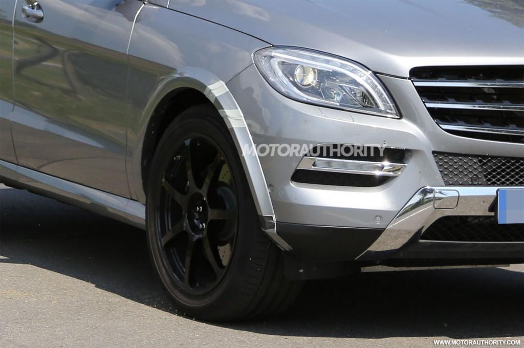 2016 Mercedes-Benz MLC-Class test mule spy shots