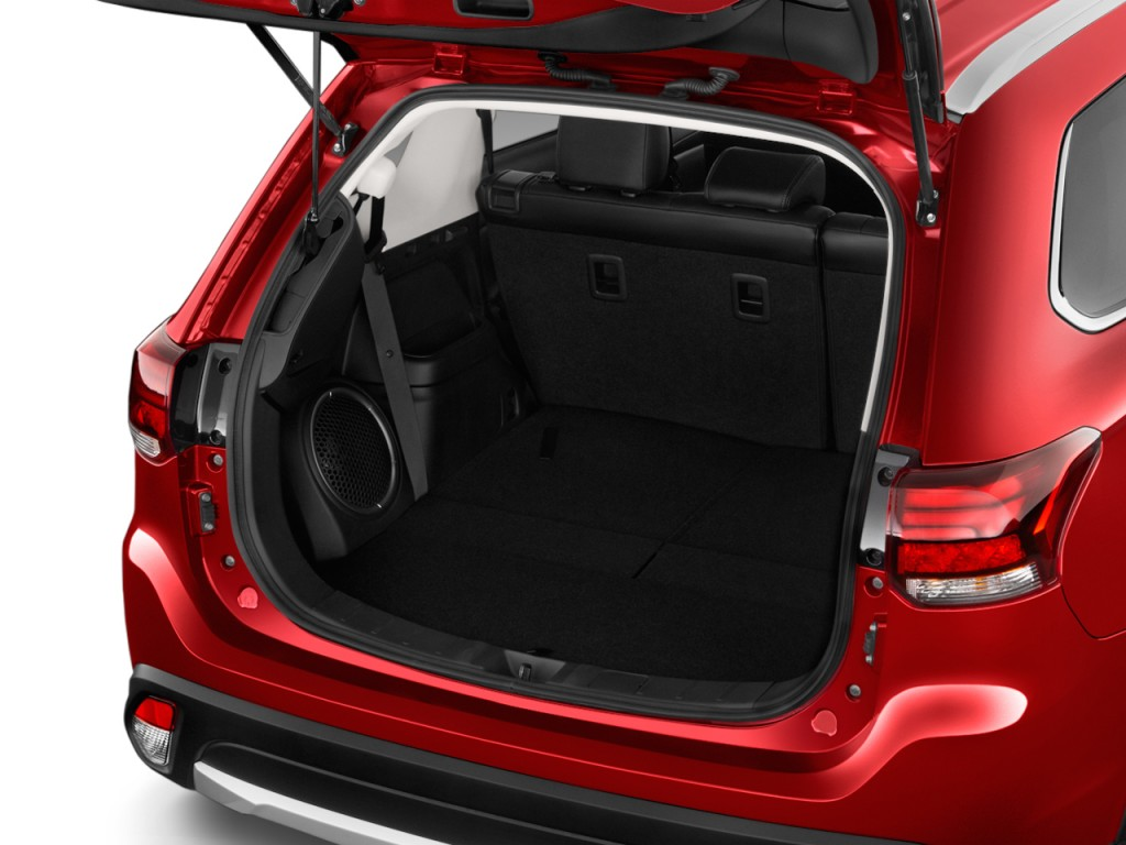 image 2016 mitsubishi outlander 4wd 4 door gt trunk size. Black Bedroom Furniture Sets. Home Design Ideas