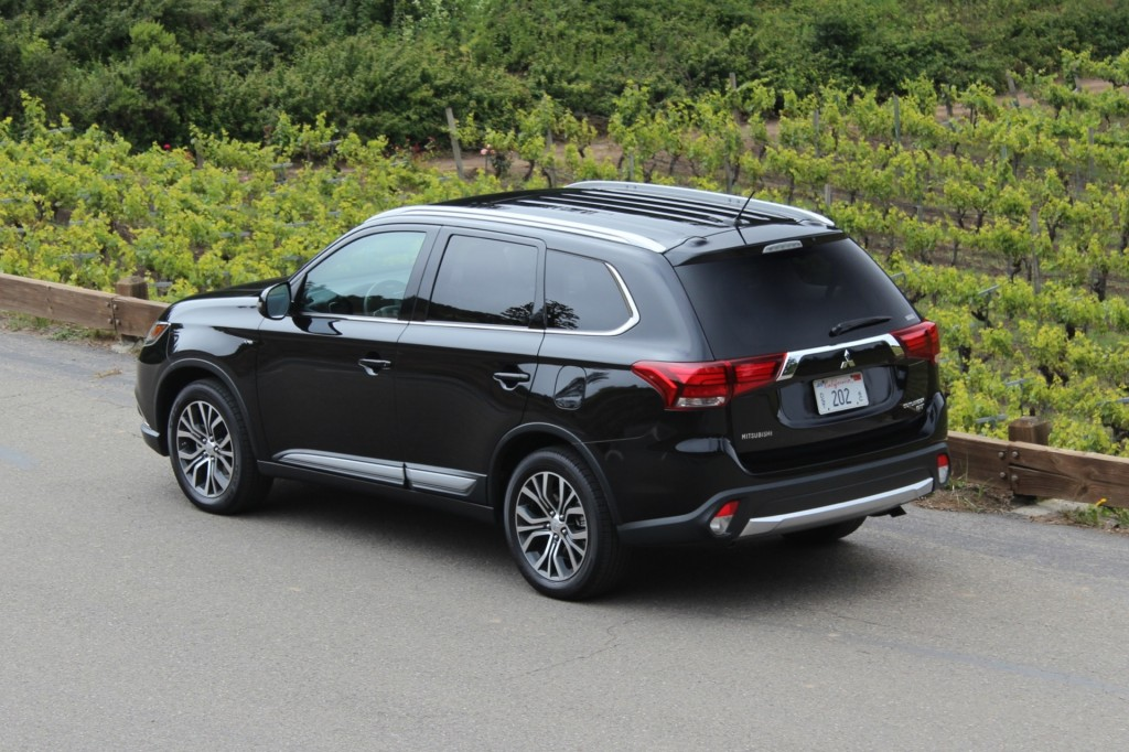 Image 2016 Mitsubishi Outlander First Drive Size 1024 X 682 Type Gif Posted On June 5