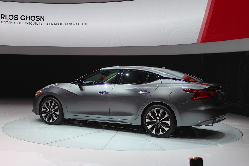 image 2016 nissan maxima 2015 ny auto show live photos. Black Bedroom Furniture Sets. Home Design Ideas