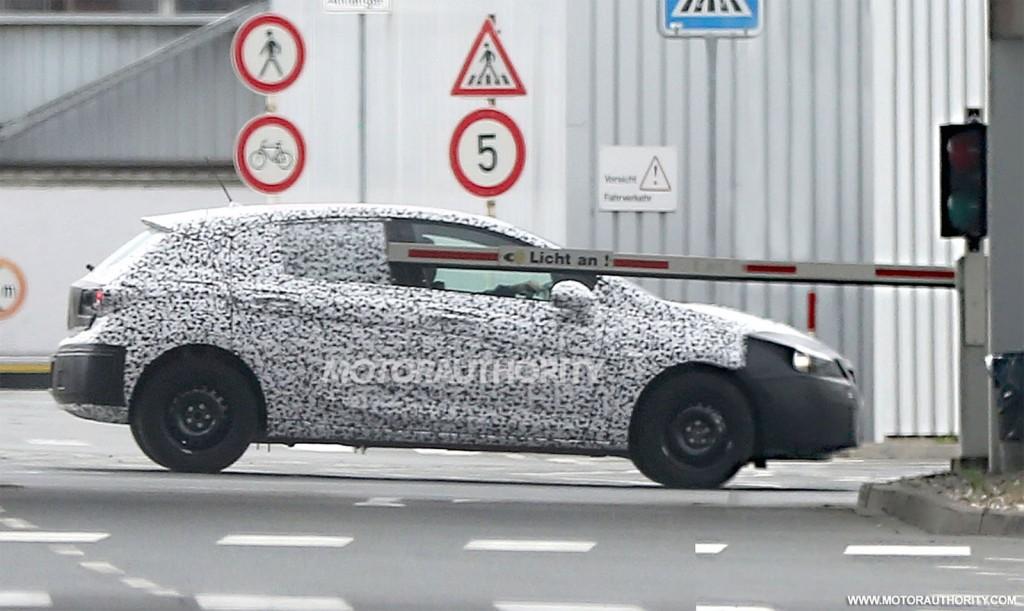 2016 Opel Astra spy shots - Image via S. Baldauf/SB-Medien