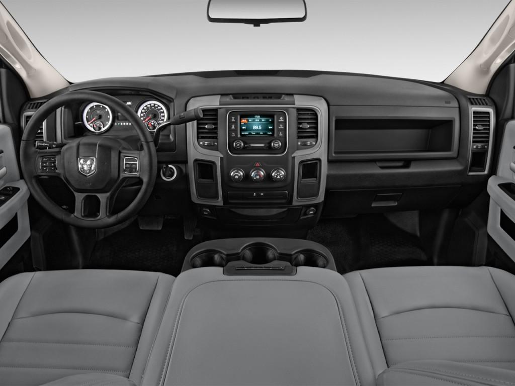 "Image: 2016 Ram 2500 2WD Reg Cab 140.5"" Tradesman ..."
