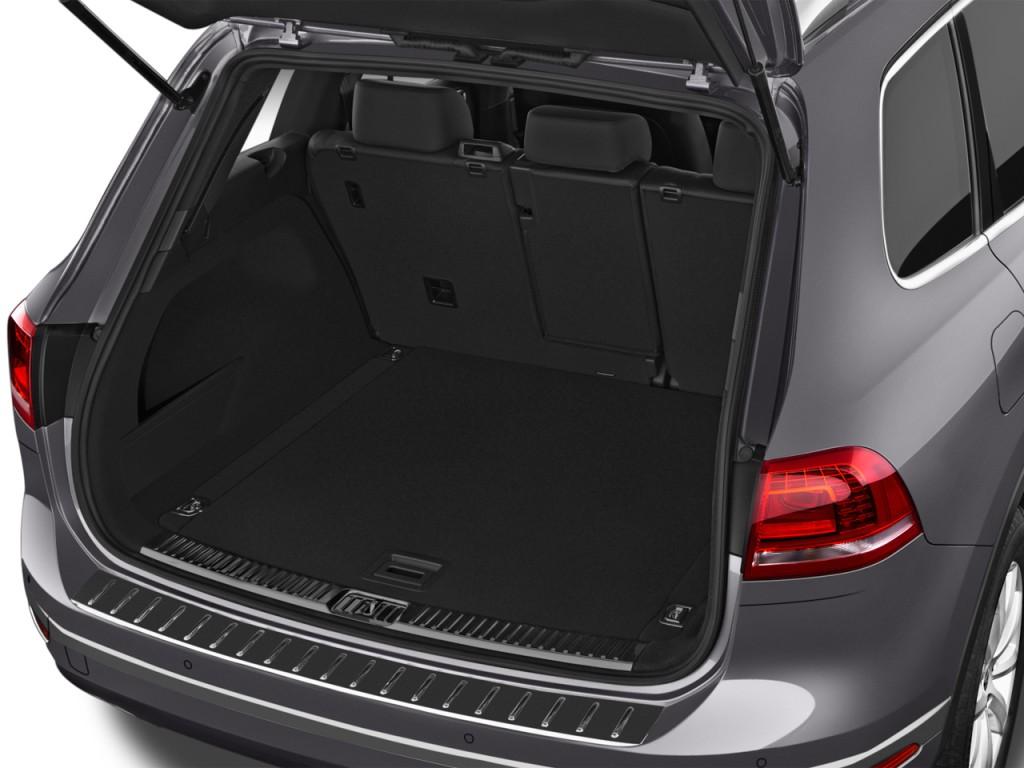 image 2016 volkswagen touareg 4 door tdi lux trunk size. Black Bedroom Furniture Sets. Home Design Ideas