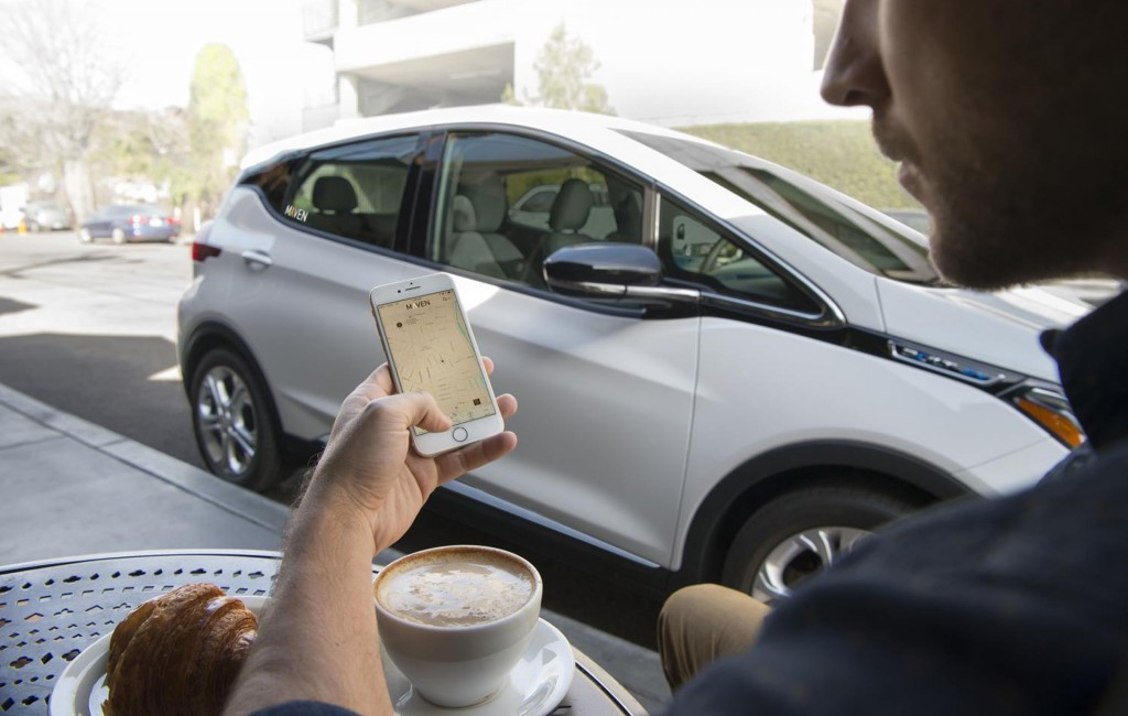 2017 Chevrolet Bolt EV added to Maven car- and ride-sharing fleet in Los Angeles, California