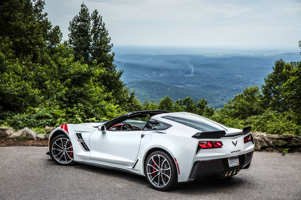 Image: 2017 Chevrolet Corvette Grand Sport, white, size: 1024 x 682 ...