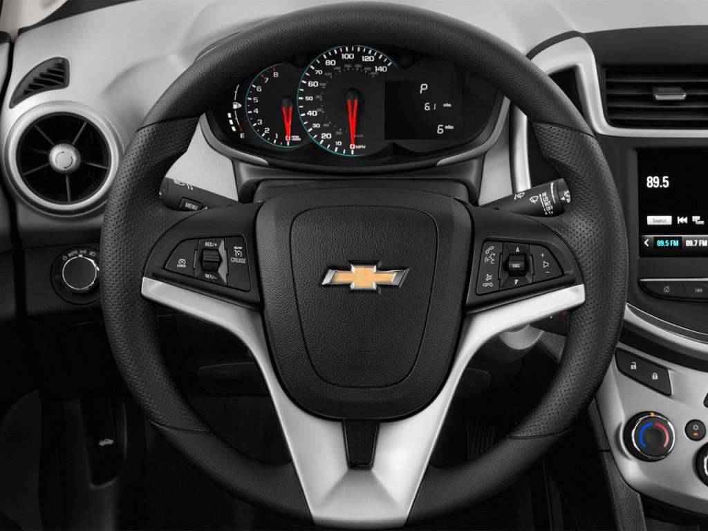 image 2017 chevrolet sonic 4 door sedan auto lt steering wheel size 1024 x 768 type gif. Black Bedroom Furniture Sets. Home Design Ideas