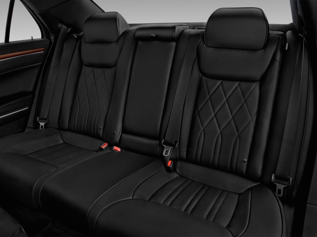 Image: 2017 Chrysler 300 300C Platinum RWD Rear Seats ...
