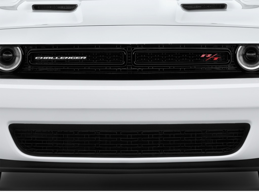 image 2017 dodge challenger r t scat pack coupe grille. Black Bedroom Furniture Sets. Home Design Ideas