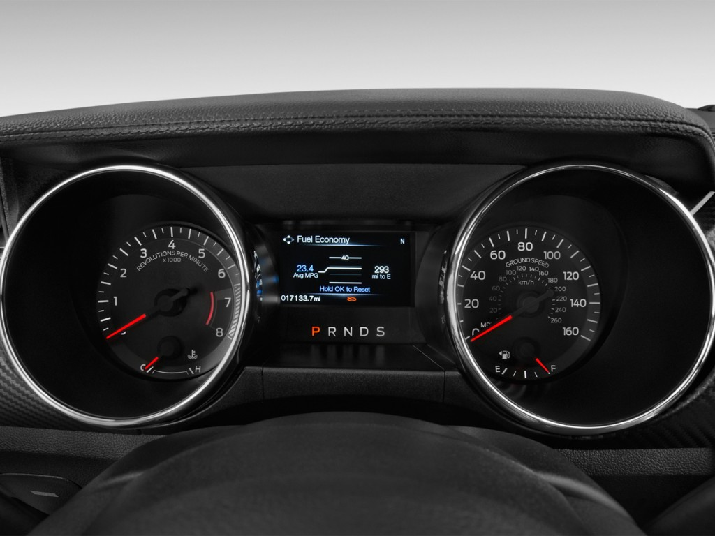 Image: 2017 Ford Mustang V6 Convertible Instrument Cluster ...