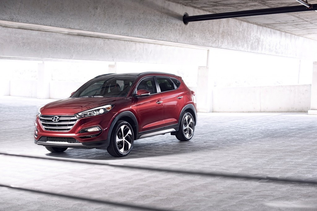 2016-2017 Hyundai Tucson, 2017 Santa Fe recalled for brake light problem