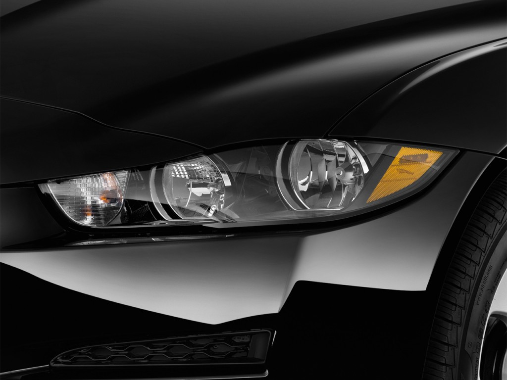 Image 2017 Jaguar Xe 25t Rwd Headlight Size 1024 X 768