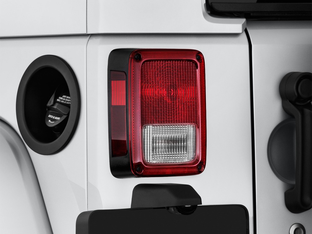 Image: 2017 Jeep Wrangler Unlimited Sahara 4x4 Tail Light ...