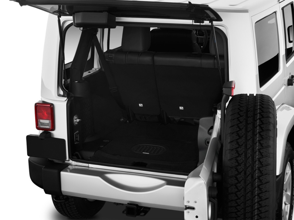 image 2017 jeep wrangler unlimited sahara 4x4 trunk size. Black Bedroom Furniture Sets. Home Design Ideas