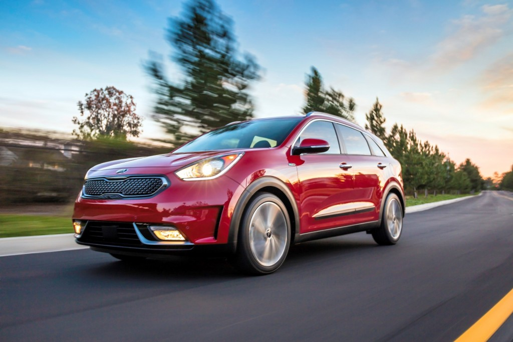 2017 kia niro priced from 23 785. Black Bedroom Furniture Sets. Home Design Ideas