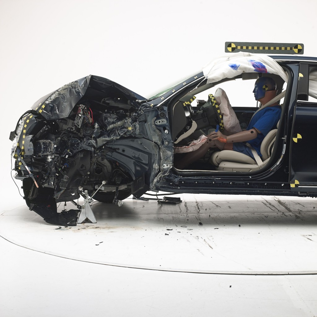 2017 Lincoln Continental after performing well the IIHS' small-overlap front crash test