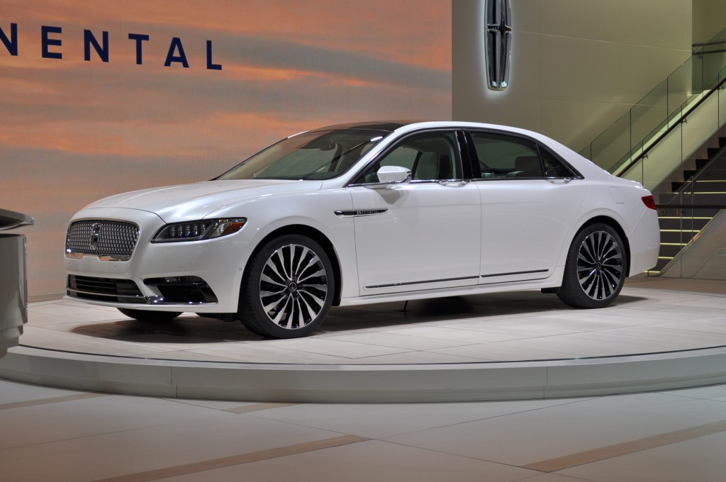2017 lincoln continental lands at detroit auto show live. Black Bedroom Furniture Sets. Home Design Ideas