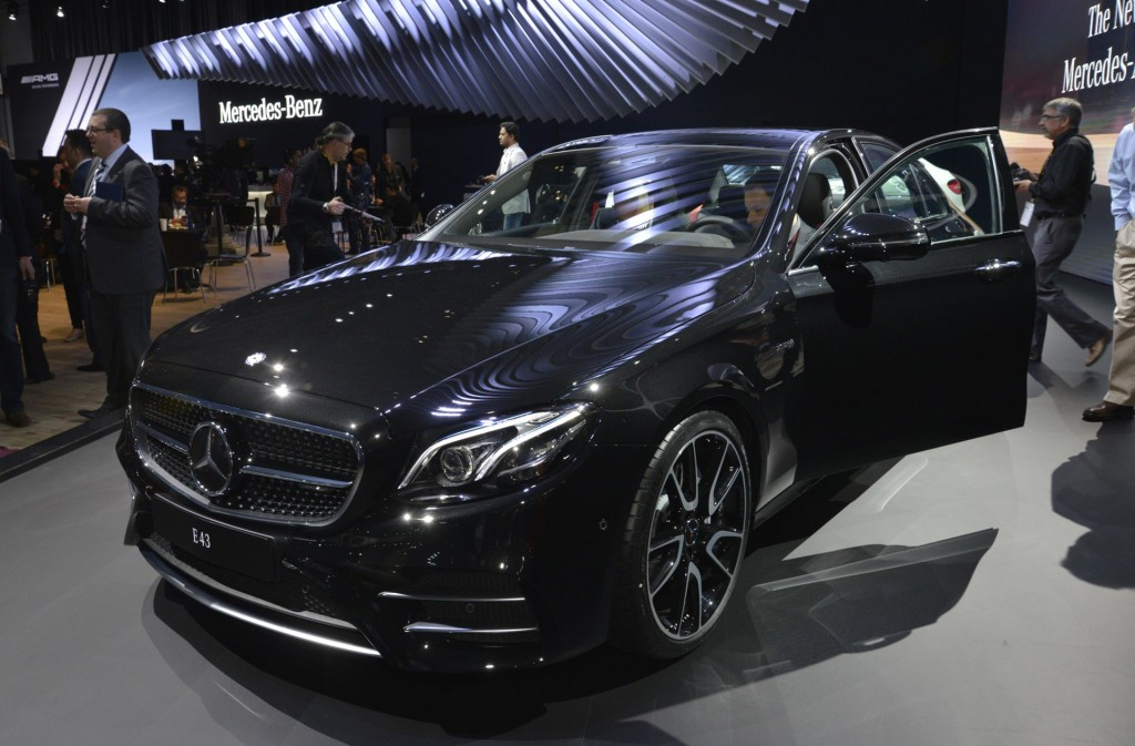 image 2017 mercedes amg e43 2016 new york auto show size 1024 x 673 type gif posted on. Black Bedroom Furniture Sets. Home Design Ideas