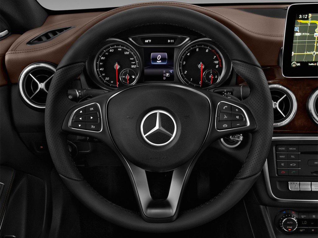 Image 2017 mercedes benz cla cla250 coupe steering wheel for Mercedes benz cla coupe 2017