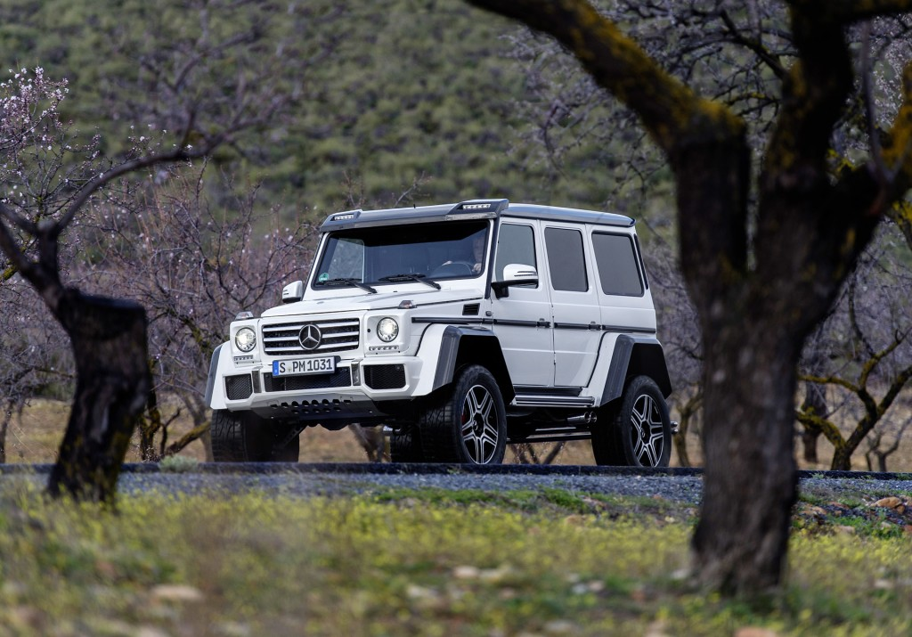 Perfect Image 2017 MercedesBenz G550 4x4 European Spec Size