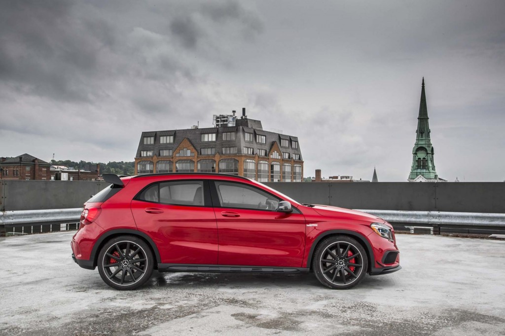 2018 mercedes benz gla class review ratings specs for Best time of year to buy a mercedes benz