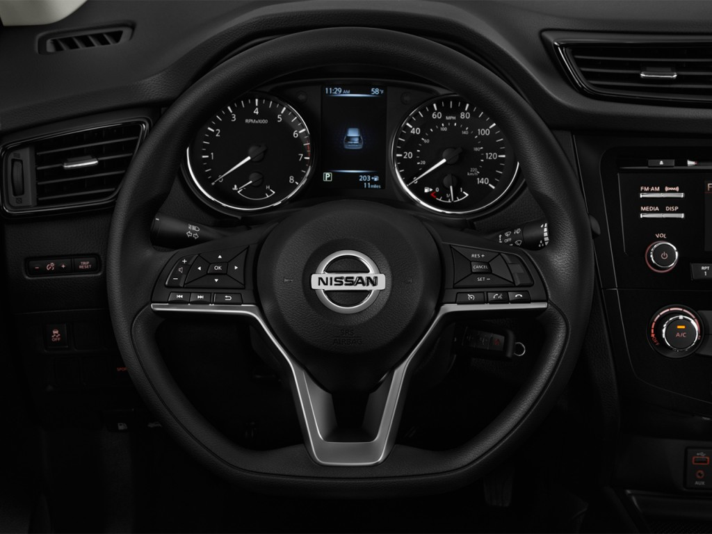 image 2017 nissan rogue fwd s steering wheel size 1024 x 768 type gif posted on february. Black Bedroom Furniture Sets. Home Design Ideas