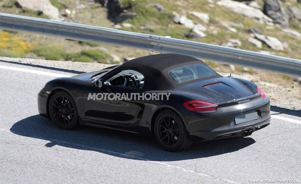 2017 Porsche 718 Boxster spy shots - Image via S. Baldauf/SB-Medien