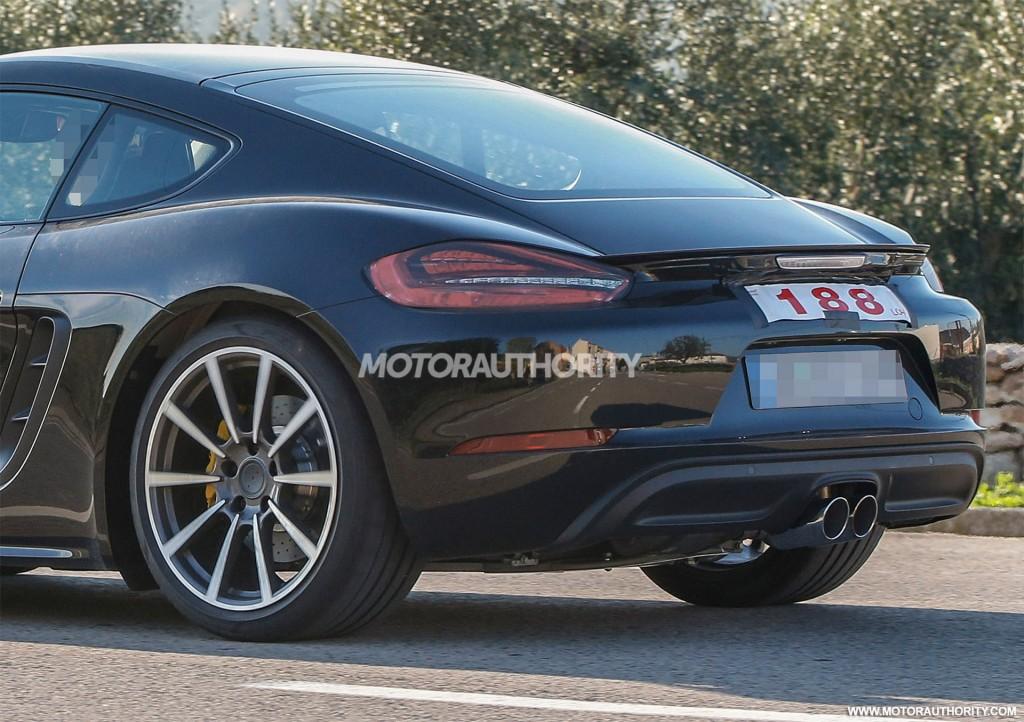 Image: 2017 Porsche 718 Cayman spy shots - Image via S. Baldauf/SB ...