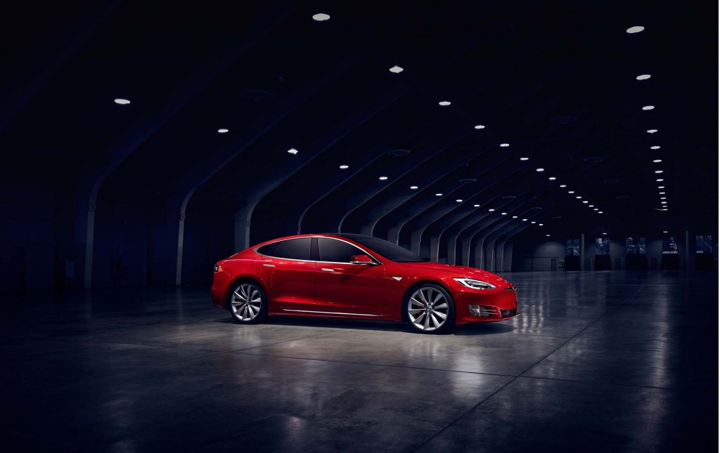 Investors Buy Tesla Inc. (TSLA) on Weakness