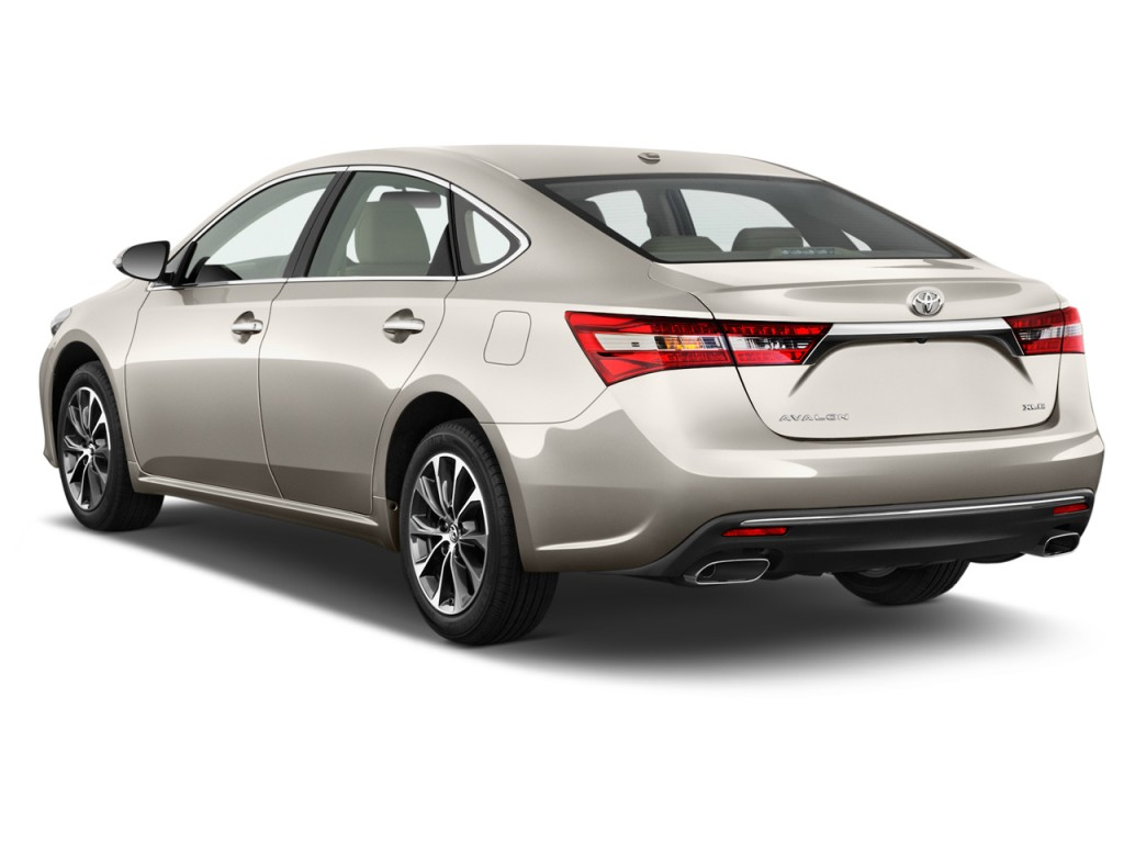 Image 2017 Toyota Avalon Xle Natl Angular Rear Exterior