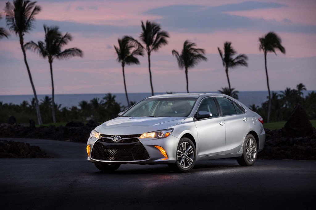 2017 Toyota Camry vs. 2017 Honda Accord: Compare Cars