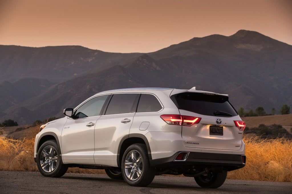 Image 2017 toyota highlander size 1024 x 683 type gif posted on