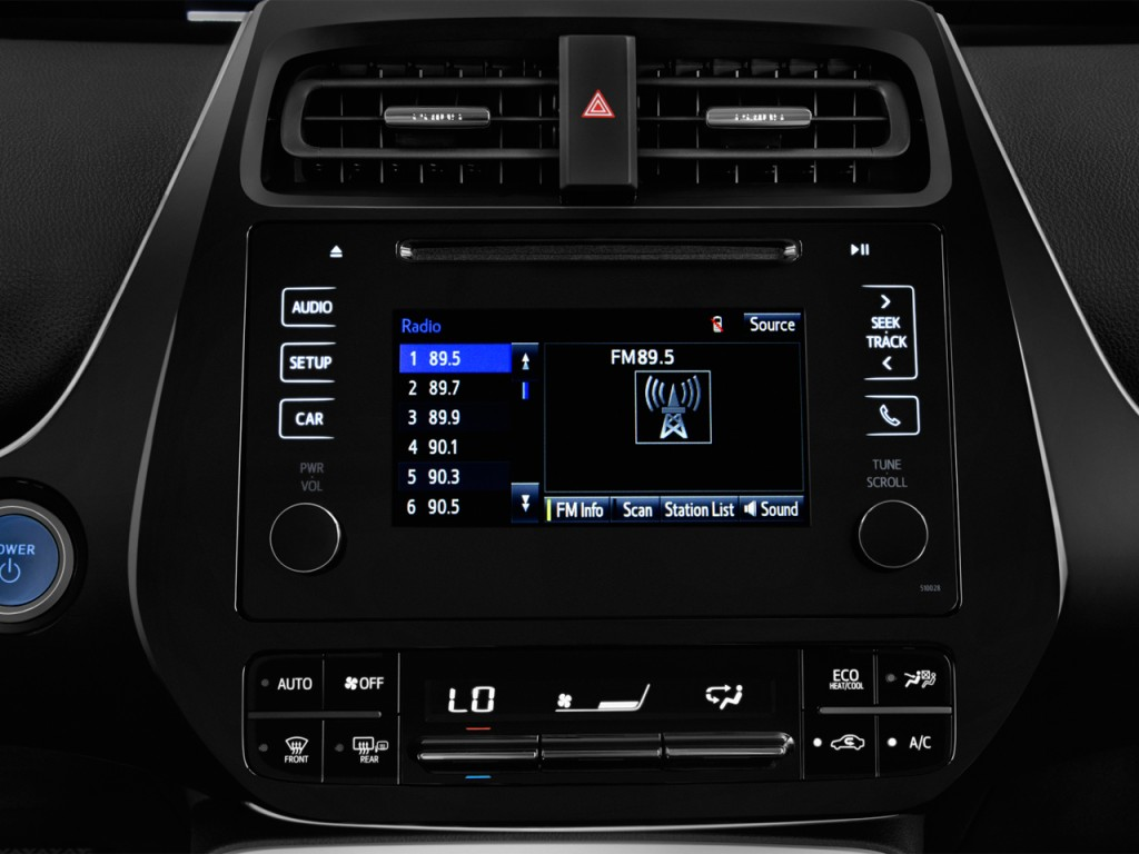 Toyota Camry 2017 Audio System Image 2017 Toyota Camry Le