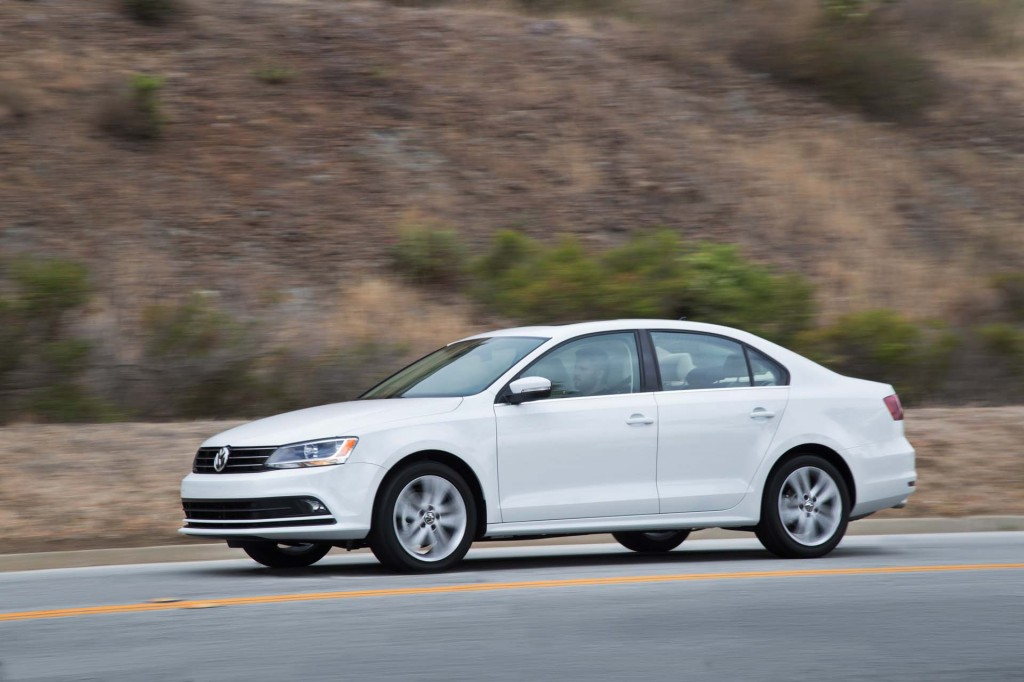 2016 Dodge Dart vs. 2016 Volkswagen Jetta: Compare Cars