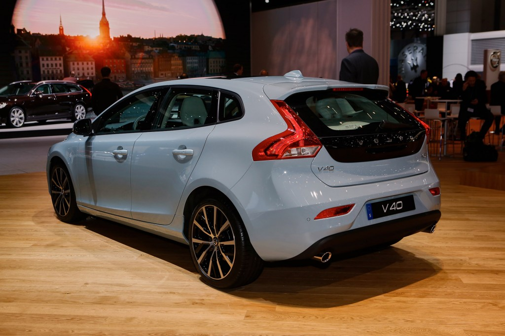 image 2017 volvo v40 2016 geneva motor show size 1024 x 682 type gif posted on march 3. Black Bedroom Furniture Sets. Home Design Ideas